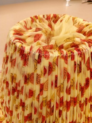Making a gathered lampshade with contrast binding