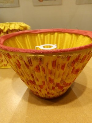 Making a gathered lampshade with contrast binding and pleated lining